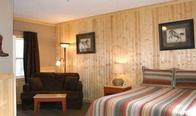 Singles, Red Lodge Inn